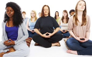 meditation-group-women